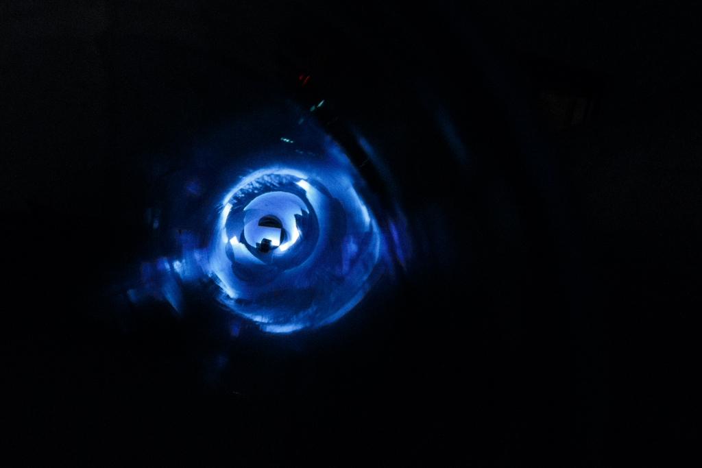 Velke G / LVNA, 1994 – 2012, video-sonická instalace